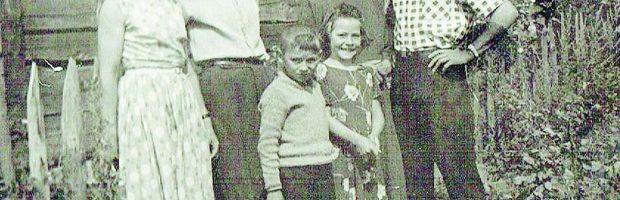 Stambrauskų šeima (pirmoje eilėje) – anūkas Romas (Valerijos sūnus) ir dukra Asta,  (antroje eilėje) dukra Valerija,  tėvas Kazimieras, mama Bronislava, brolis Viktoras