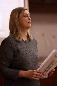 Gydytoja Jolanta Trinkūnienė pataria tėvams atidžiai stebėti savo vaikų elgesį, pastebėjus pirmuosius galimo suicidinio elgesio simptomus, nedelsiant imtis veiksmų. Nuotrauka iš asmeninio archyvo