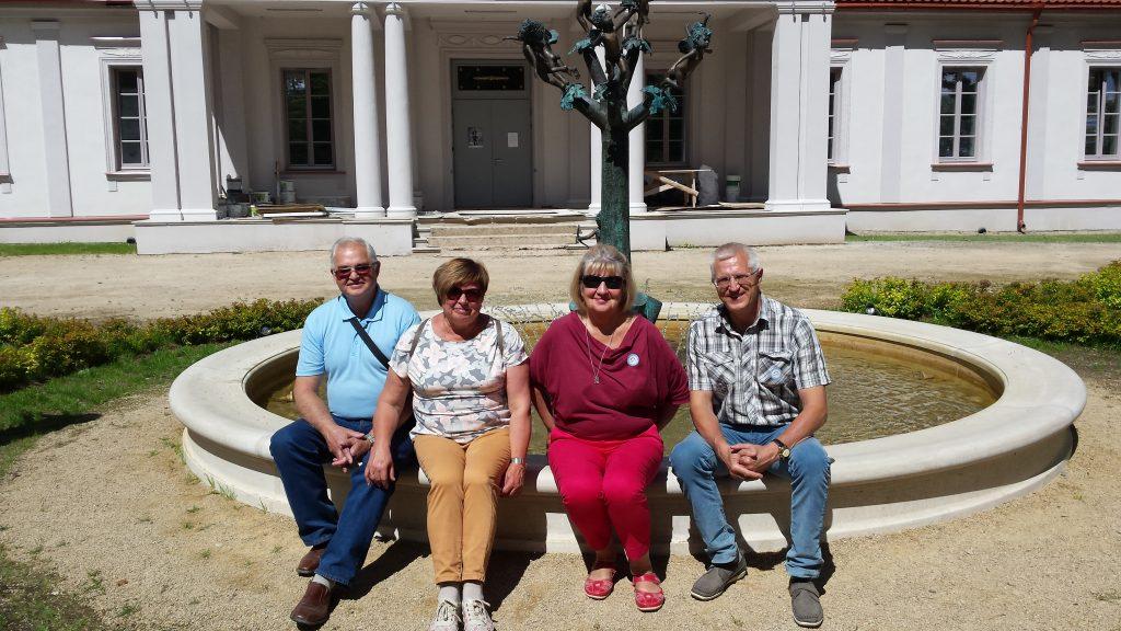 Klumbių giminės tarnystė Lietuvai