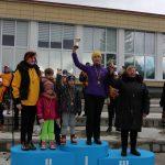 Vyriausių bėgikių grupė - elektrėniškė Roma Ramanauskienė, trakiškė Liudvika Tichonova ir vieviškė Janina Sabonienė, kuri individualų prizą gavo kaip vyriausia varžybų bėgikė moteris