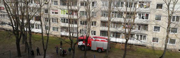 Gaisras Šviesos g. 8 name kilo dėl neatsargaus vaiko elgesio su ugnimi