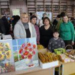 Elektrėnų krašto neįgaliųjų sąjungos atstovai mugėje prekiavo paveikslais, vaškinėmis žvakutėmis, papuošalais
