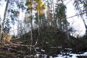 Latvių piliakalnis