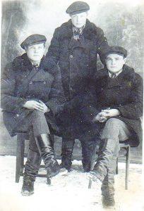 Ausieniškių kaimo vyrai