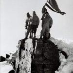 Lietuvos viršūnėje R. Augūnas su vėliava, Pamyras, 1964 m.
