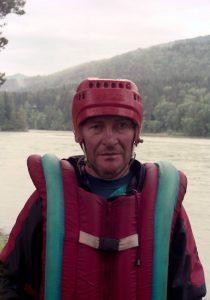 A. Subata grupei lietuvių suorganizavo kelionę pripučiamu plaustu Katunės upės slenksčiais. Anksčiau šią upę baidare įveikęs buvo elektrėniškis Leonas Valinevičius