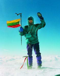 Su Lietuvos vėliava Monblano viršūnėje