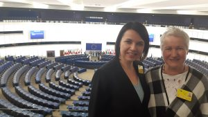 Straipsnio autorė J. Girsė (dešinėje) Europos Parlamente su žurnaliste Renata Butkevič iš ZW.lt