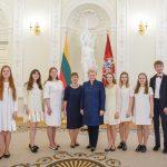 2018 m. gegužės 7 d. Spaudos atgavimo dienos minėjimas Prezidentūroje, kuriame dalyvavo ir kompoziciją skaitė skaitovų būrelis (vadovė mokytoja ekspertė Augutė Liutkevičienė)