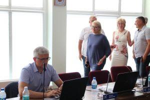 Sėdi Arūnas Kulboka, stovi Jūratė Balčiūnaitė, Romas Sugintas, Silva Lengvinienė ir Gediminas Jachimavičius