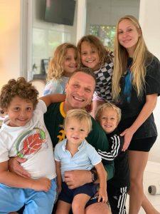 D. Kasparaitis su savo vaikais