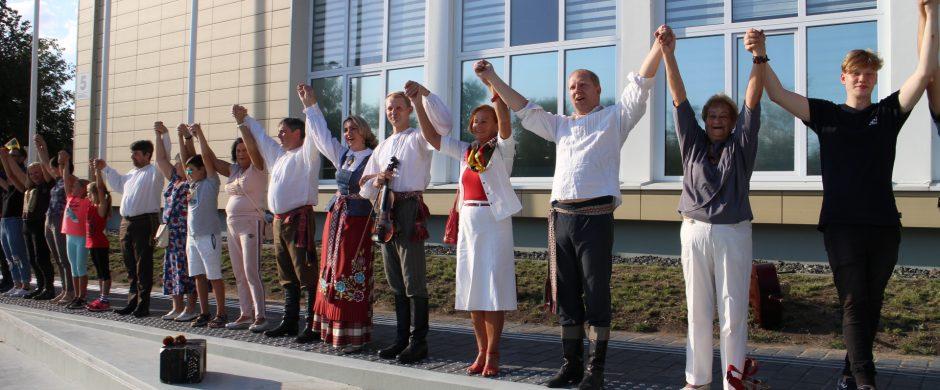 Baltijos kelio minėjimas Elektrėnuose – žmonių  prisiminimai ir linkėjimai Lietuvai
