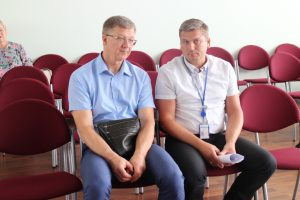 Abromiškių reabilitacijos ligoninės direktorius Vitalijus Glamba ir Lietuvos energijos gamyba, AB atstovas Elmaras Mickūnas