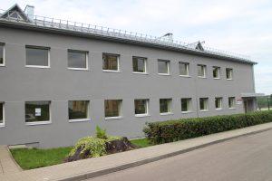Gimnazijos pastatas po renovacijos