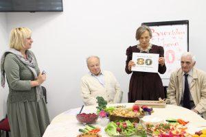 Jubiliatę pasveikino Elektrėnų krašto neįgaliųjų sąjungos pirmininkė Audra Česonienė.  B. Vasiliauskienei draugiją palaiko brolis Jonas ir draugas Romas