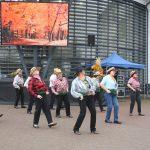Jaunatviškas VievioLin šokėjų pasirodymas