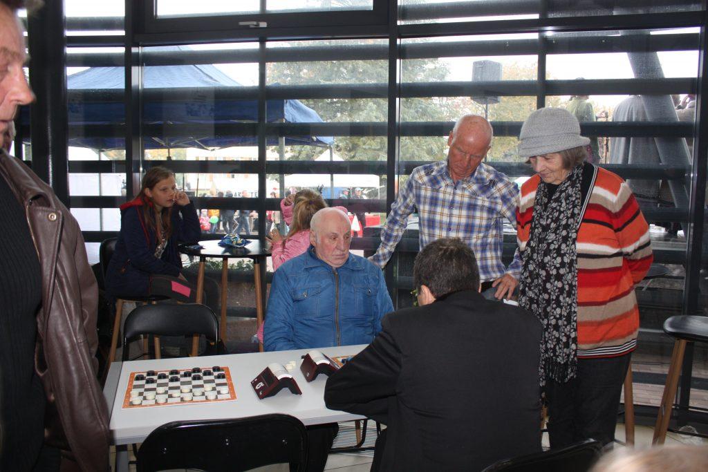 Derliaus šventėje – šaškių turnyras