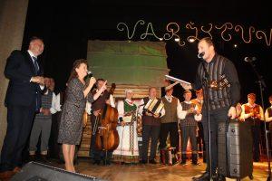 Varžytuvių nugalėtojus apdovanojo administracijos direktorius  G. Ratkevičius ir renginio sumanytoja V. Ališauskienė