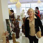 Vanda Umbrasienė parodai pateikė anksčiau išdrožtas skulptūras, nes jos atitiko parodos idėją