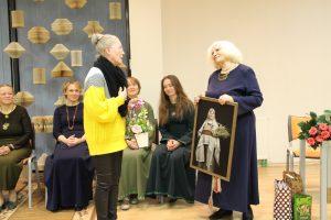 Fotomenininkė Liudmila sako O. R. Šakienės  portrete įamžinusi Lietuvą