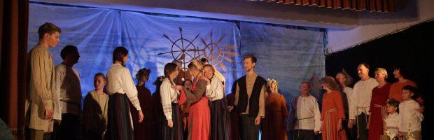 Į operos spektaklį įsitraukė didelė dalis Vievio bendruomenės