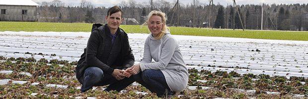 Kristinos ir Viktoro Kavaliauskų teigimu, gauta parama jiems – nemenka paspirtis: jau įsigijo mažą traktorių bei kitų priemonių darbui palengvinti
