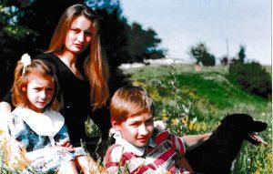 Visi trys Meilės vaikai – Ieva, Vaidotas ir Julija