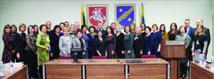 Į susitikimą su socialinės apsaugos ir darbo ministru Linu Kukuraičiu susirinko gausus būrys specialistų