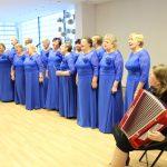 """Vievio """"Ievaras"""" klausytojams priminė Baltijos kelią ir dvi dainas atliko latvių bei estų kalbomis"""