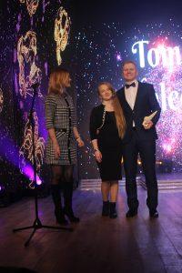 Nominaciją Tomui Maleckiui ir jo dukterėčiai Ingridai įteikė administracijos direktoriaus pavaduotoja Inga Kartenienė