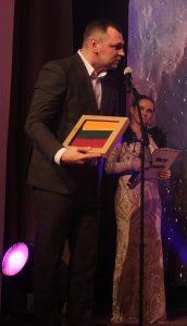Seimo nario Jono Liesio dovanas nominantams įteikė jo padėjėjas Gintaras Jančiauskas