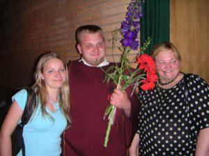 R. Gulbinas su mama ir sese