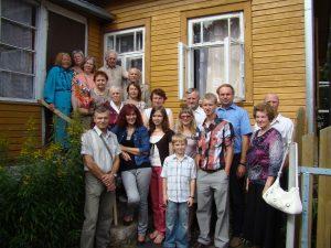 Giminės suėjimas po Šv. Roko atlaidų Semeliškėse 2011 m.
