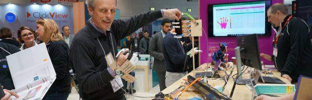 H. Vaišvila BETT parodoje Londone išbando roboto ranką