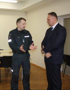 Atskirą padėkos žodį komisaras skyrė socialinei partnerei – savivaldybei. Dešinėje Administracijos direktorius Gediminas Ratkevičius