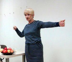 Ajurvedos akademijos vadovė Lina Lukošienė pastebi, kad norint greitai įveikti virusą, pirmiausia verta imtis nieko nekainuojančio gydymo būdo