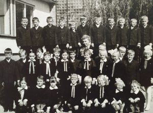 Elektrėnų vidurinės mokyklos antrokai 1971-aisiais