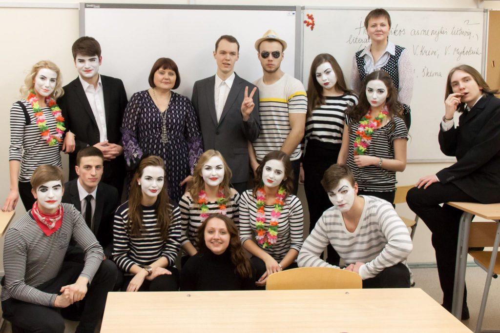 Lietuvių kalbos mokytoja Elvyra Kasperavičienė: mokykloje gali vaidinti visi