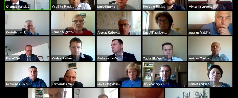 Virtualus tarybos posėdis: meras kelsis gyventi į miestą