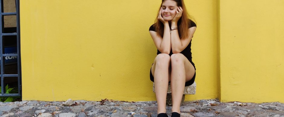 Pokalbiu galima nuraminti žmogų – apie savanorystę Jaunimo linijoje
