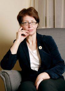 Gydytoja psichiatrė Vilma Andrejauskienė pastebi, kad visuomenė sąmoningėja – dėl priklausomybės nebebijoma kreiptis pagalbos. Nuotrauka iš www.pkc.lt