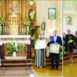 Po apdovanojimų kunigas A.Tarasevičius pakvietė visus palaiminimui