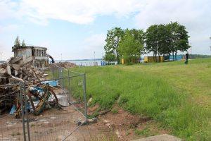 """Senojo """"Poseidono"""" vietoje liko tik griuvėsiai. Čia UAB """"Kaminera"""" žada pastatyti modernų viešbutį"""
