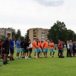 Turnyre prizines vietas užėmusios komandos laukia apdovanojimų ceremonijos