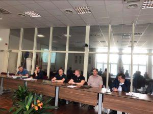 Apie planuojamus kirtimus Gojaus miške gyventojus informavo Miškų urėdijos Trakų regioninio padalinio vadovai