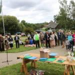 Šventės dalyvius sveikina renginių organizatorė Audra Gudeliūnienė