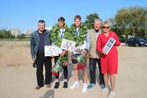 P. Gadeikis, I. Serafinas, Artūras, jo tėtis ir treneris Anatolijus Golovač bei mama LIna