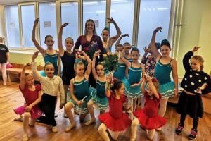 """""""Kiekvienas vaikas, atėjęs į baleto klasę, jaučiasi svarbus, jaučia tą atmosferą,  kad jis yra dalis kažko didelio"""", - sako M. Šervenina"""