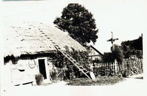 Šiame name gimė ir užaugo Eugenija Dalgytė Purienė. 1965 m.