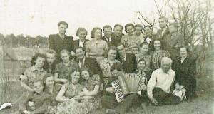 1956 m. vyko Bronislovo Tarulio ir Vladės Kucevičiūtės sutuoktuvės Vilniaus Šv. Petro ir Povilo bažnyčioje